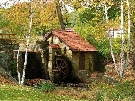 Russell Hamilton: Eastern College Waterwheel